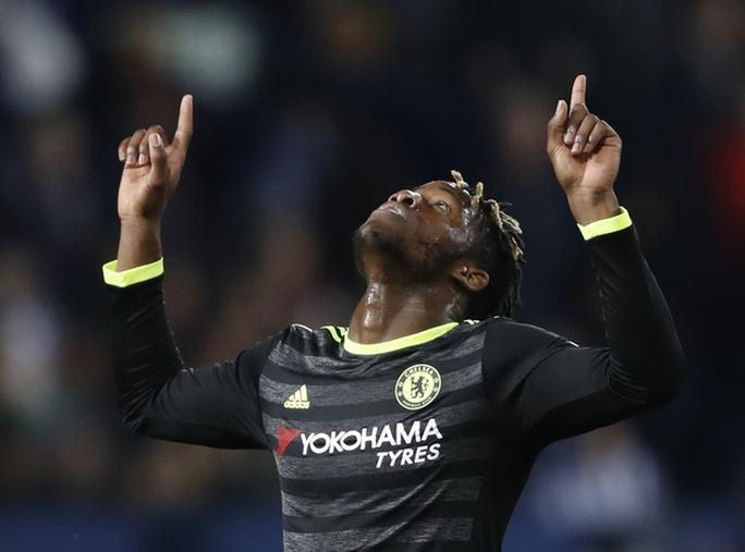 Chùm ảnh: Chelsea bay cao cùng chức vô địch - Ảnh 2.