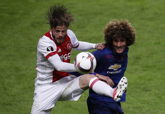 Fellaini sẵn sàng đá đến gãy chân vì HLV Mourinho - Ảnh 2.