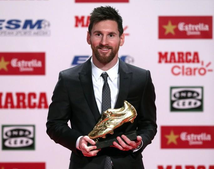 Gia đình Messi đáng yêu tại lễ trao giải Chiếc giày vàng - Ảnh 1.