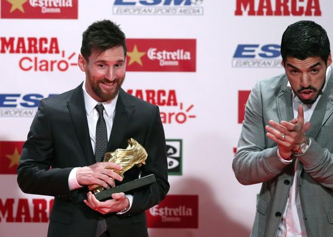 Gia đình Messi đáng yêu tại lễ trao giải Chiếc giày vàng - Ảnh 4.