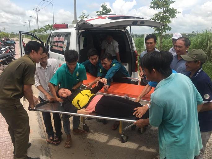 Vụ ngộ độc tập thể ở An Giang: Hơn 100 công nhân tái nhập viện - Ảnh 3.