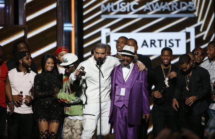 Drake vượt mặt Adele, lập kỷ lục 13 giải thưởng - Ảnh 3.