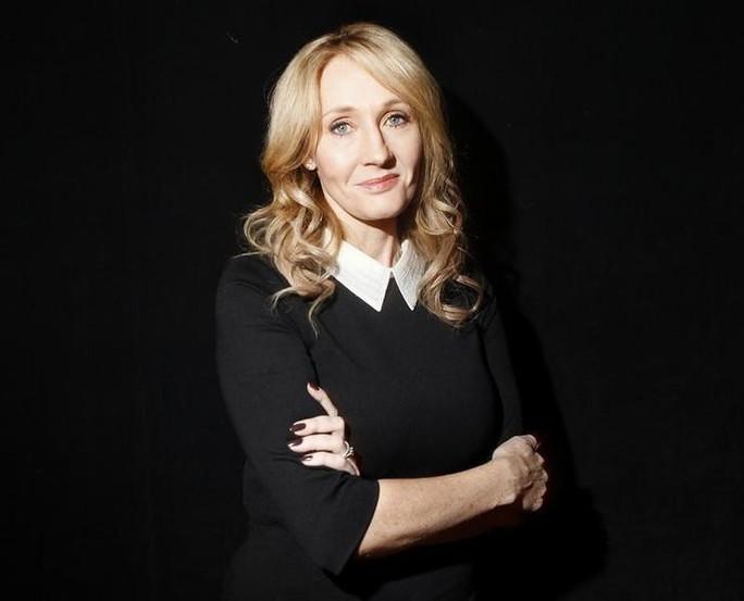 Mẹ đẻ Harry Potter kiếm tiền vượt Coldplay và Adele - Ảnh 1.