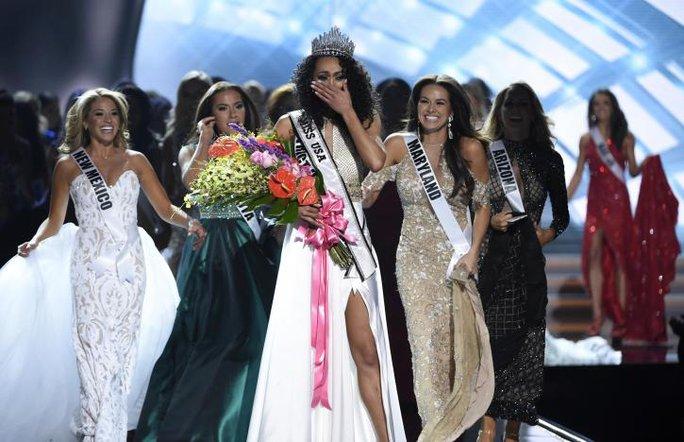 Cận cảnh nhan sắc tân Hoa hậu Mỹ - Ảnh 4.