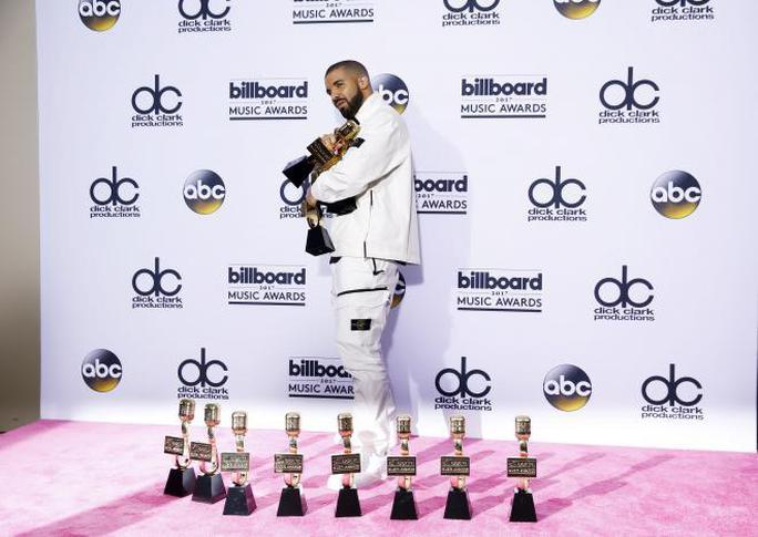 Drake vượt mặt Adele, lập kỷ lục 13 giải thưởng - Ảnh 1.