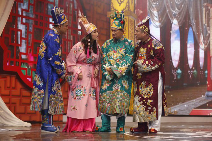 Bốn táo năm nay vẫn do các nghệ sĩ Vân Dung, Tự Long, Chí Trung, Quang Thắng thể hiện