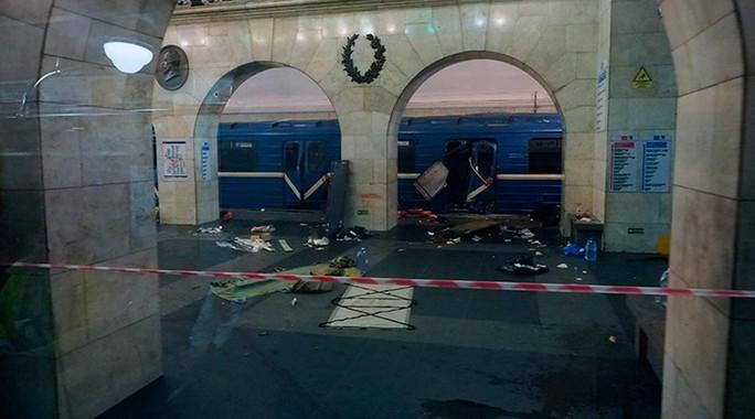 Hiện trường vụ đánh bom. Ảnh: Reuters