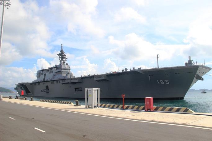 Cận cảnh tàu hải quân Nhật, Mỹ thăm Cam Ranh - Ảnh 1.