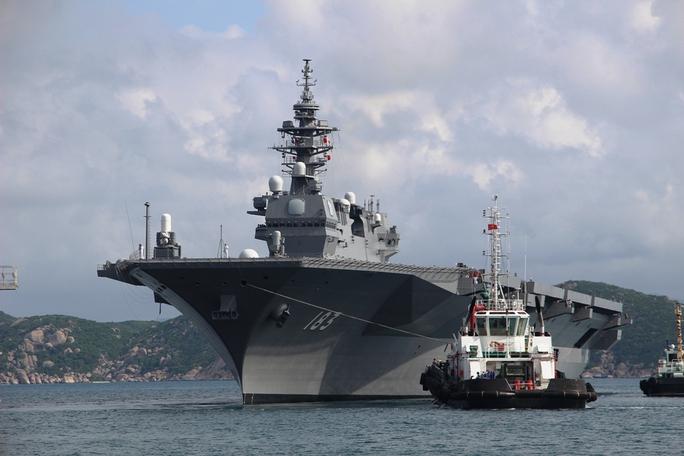 Cận cảnh tàu hải quân Nhật, Mỹ thăm Cam Ranh - Ảnh 2.