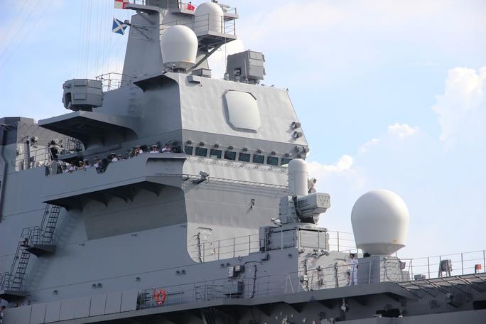 Cận cảnh tàu hải quân Nhật, Mỹ thăm Cam Ranh - Ảnh 5.