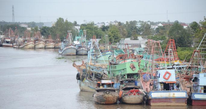 Phó Thủ tướng đang chỉ đạo ứng phó với bão số 16 (Tembin) tại Sóc Trăng - Ảnh 6.
