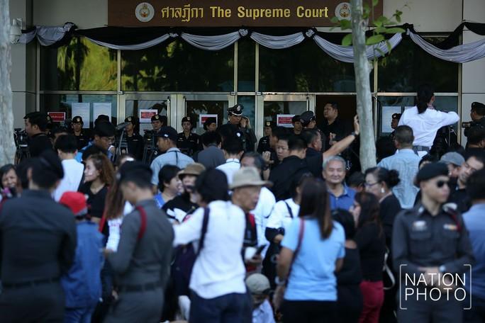 Thái Lan: Bà Yingluck bị tuyên 5 năm tù - Ảnh 1.