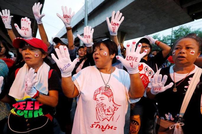 Thái Lan: Bà Yingluck có thể đã bỏ trốn - Ảnh 2.