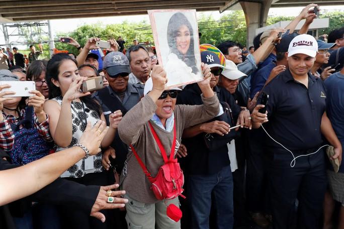 Thái Lan: Bà Yingluck có thể đã bỏ trốn - Ảnh 1.