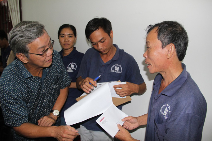Báo Người Lao Động hỗ trợ công nhân Khánh Hòa tan hoang nhà cửa sau bão - Ảnh 8.