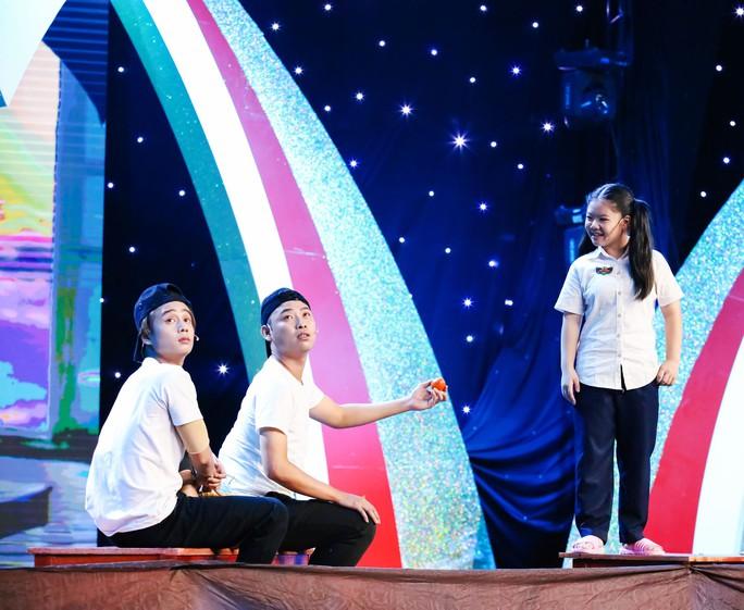 Cô bé 10 tuổi múa ballet khiến Ốc Thanh Vân khóc nức nở - Ảnh 5.