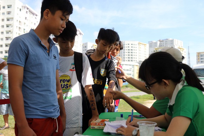 Gần 1.000 thí sinh dự tuyển vào khoá 2 Học viện bóng đá Nutifood - Ảnh 3.