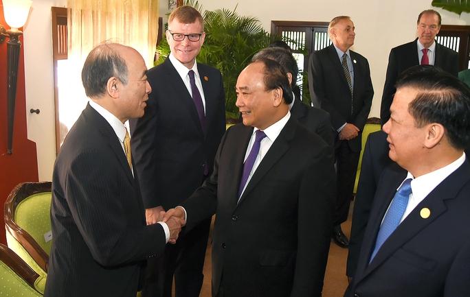 Thủ tướng: Khu vực tồn tại điểm nóng đe doạ môi trường hoà bình, an ninh - Ảnh 1.