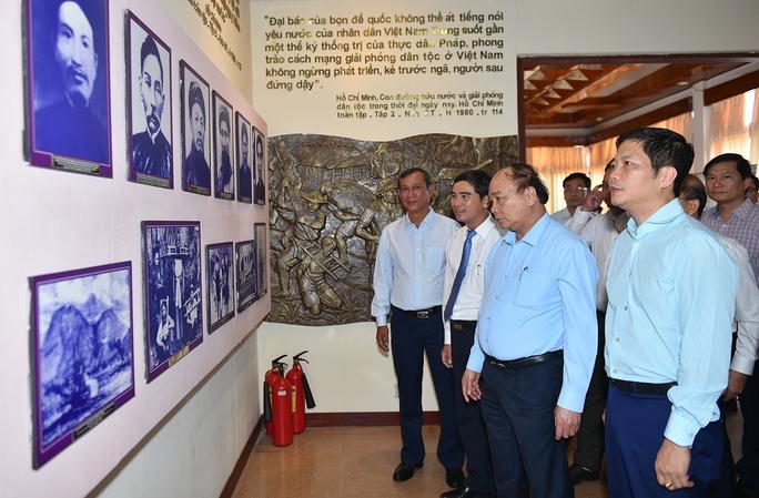 Thủ tướng thăm Bảo tàng Hồ Chí Minh tại Bình Thuận