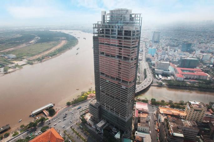 Cận cảnh cao ốc 42 tầng vừa bị xiết nợ ở TP HCM - Ảnh 5.