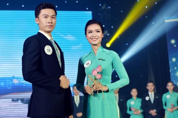 Tiếp viên Vietnam Airlines catwalk cực chuẩn trong cuộc thi tài sắc - Ảnh 3.