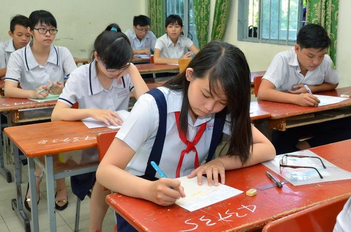 Học sinh thi vào lớp 10 tại TP HCM năm 2016 Ảnh: Tấn Thạnh