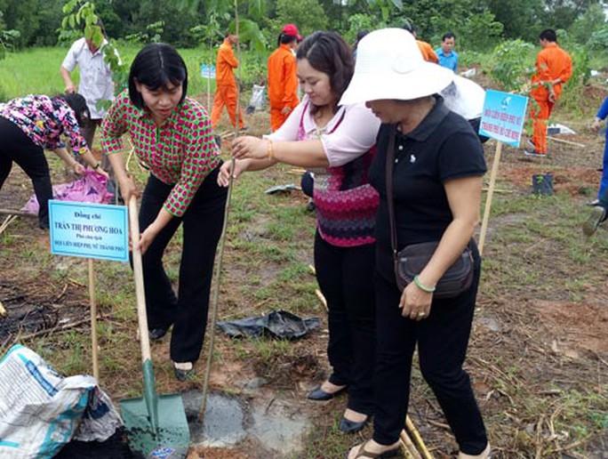 Vận động đoàn viên, hội viên tham gia bảo vệ môi trường - Ảnh 1.