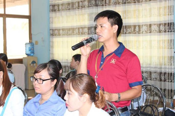 Cán bộ Công đoàn đóng góp ý kiến tại tọa đàm