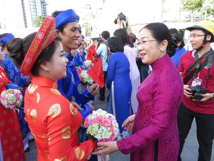 Công nhân tham gia lễ cưới tập thể do Trung tâm Hỗ trợ Thanh niên công nhân TP HCM tổ chức