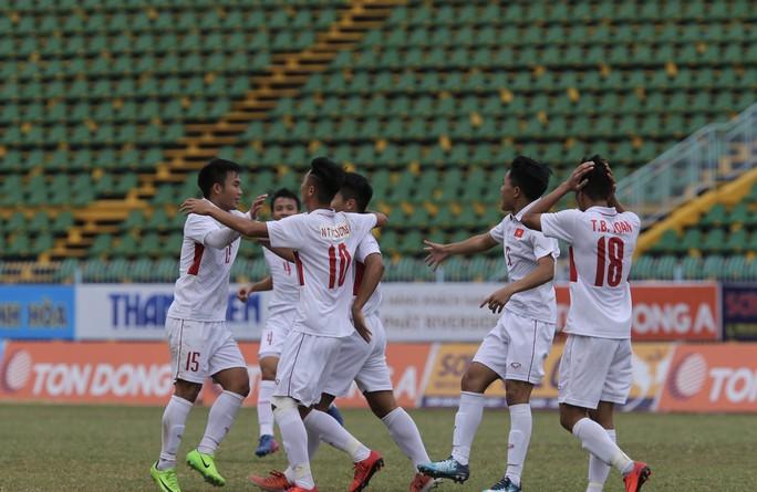 Hòa tiếc nuối Thái Lan, U19 giúp U21 Việt Nam vào chung kết - Ảnh 2.