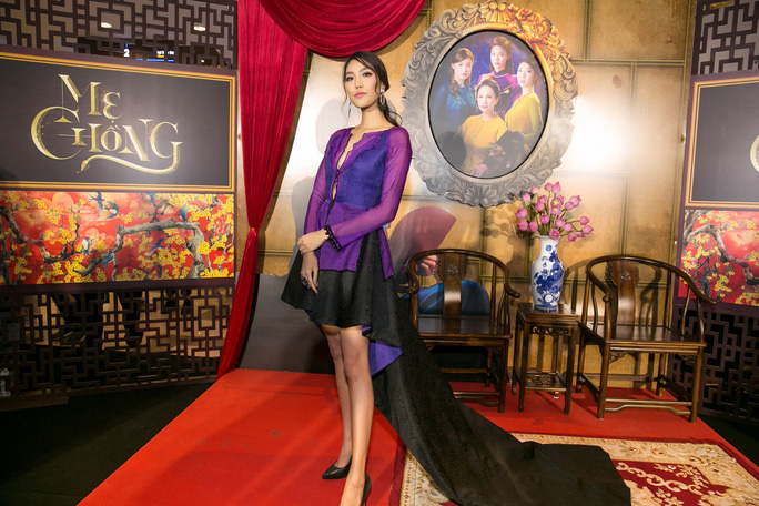 Dàn sao Việt xúng xính áo dài lên thảm đỏ - Ảnh 13.