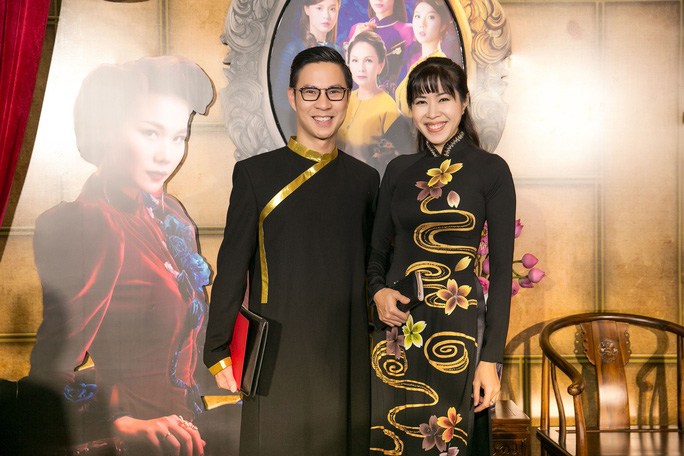 Dàn sao Việt xúng xính áo dài lên thảm đỏ - Ảnh 10.