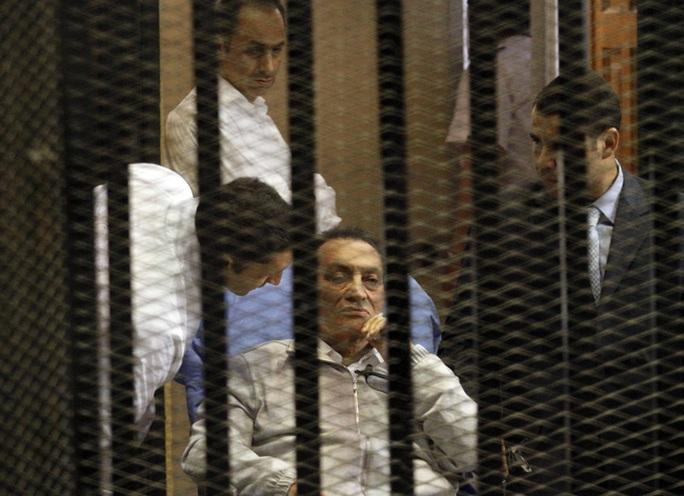 Cựu Tổng thống Ai Cập Hosni Mubarak. Ảnh: Huffington Post