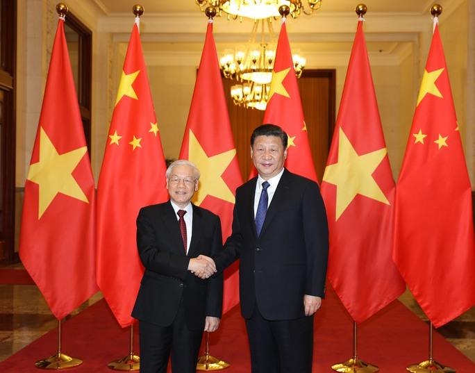 Tổng Bí thư Nguyễn Phú Trọng bắt tay Tổng Bí thư - Chủ tịch Trung Quốc Tập Cận Bình