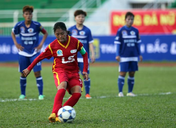 Tuyển thủ nữ Việt Nam từ chối sang Bồ Đào Nha thi đấu - Ảnh 2.