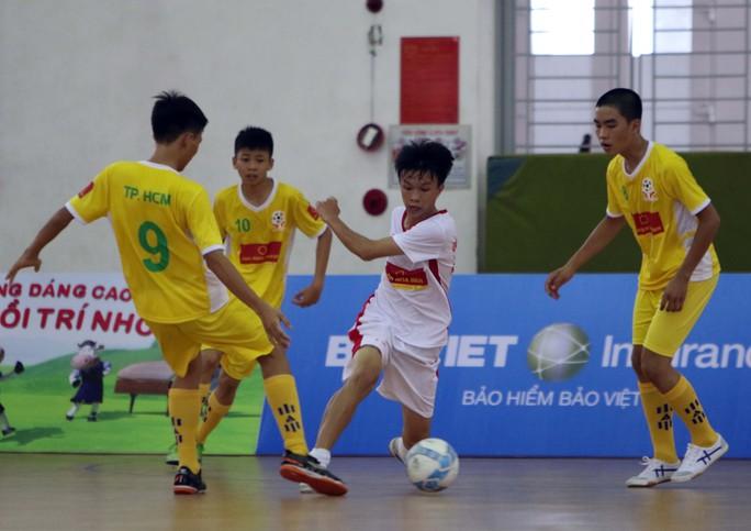 Giải bóng đá trẻ em có hoàn cảnh đặc biệt 2017: Căng ở bảng B - Ảnh 1.