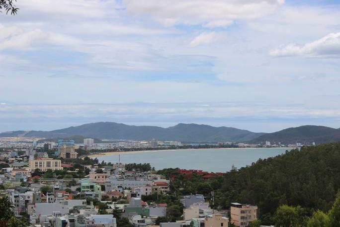 Lo ngại về dự án nhận chìm bùn thải ra biển Quy Nhơn - Ảnh 1.