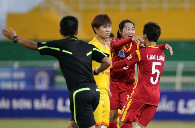 TP HCM 1 lên ngôi đầu Giải Bóng đá nữ quốc gia - Ảnh 1.