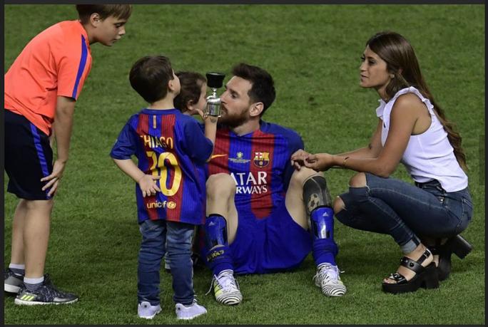 Loạt ảnh con sao Barcelona đáng yêu ở Cúp Nhà vua - Ảnh 3.