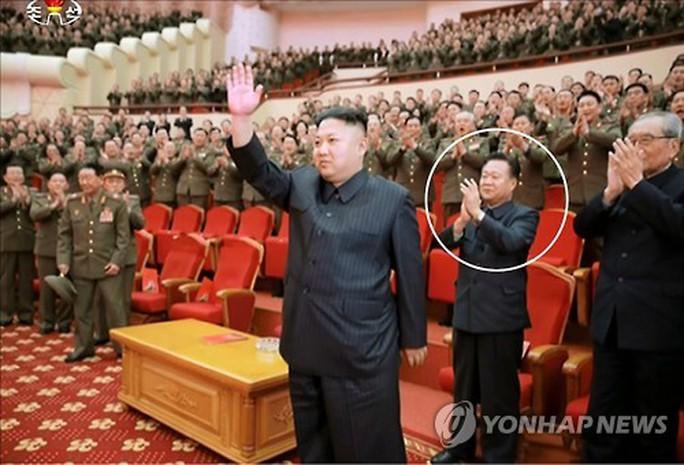 Ông Kim Jong-un cất nhắc bạn gái cũ - Ảnh 2.
