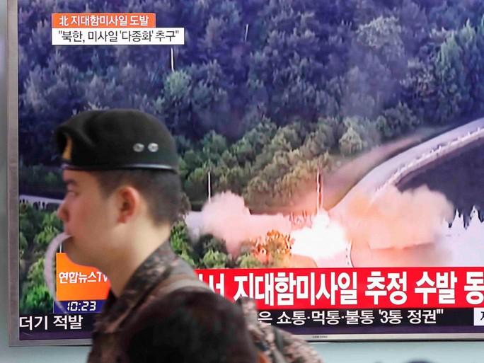 Triều Tiên dằn mặt tàu sân bay Mỹ? - Ảnh 1.