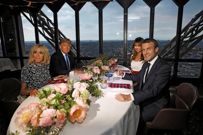 """Ông Donald Trump khen vợ Tổng thống Pháp """"căng tràn sức sống"""" - Ảnh 3."""