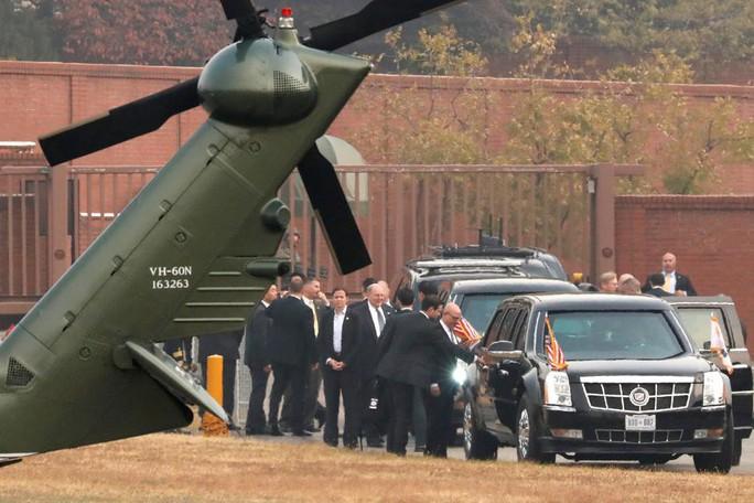 Sương mù ngăn ông Donald Trump đến khu phi quân sự liên Triều - Ảnh 1.
