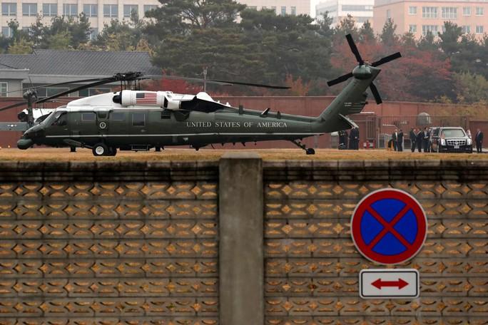 Sương mù ngăn ông Donald Trump đến khu phi quân sự liên Triều - Ảnh 2.