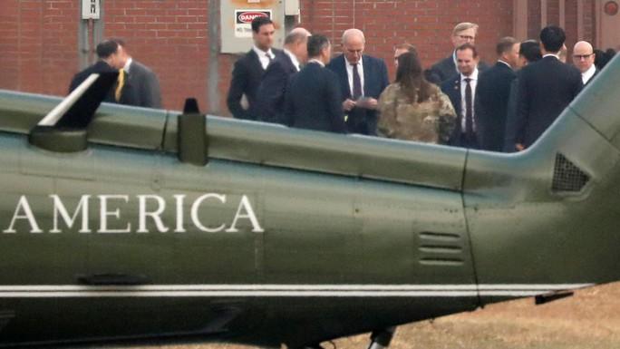 Sương mù ngăn ông Donald Trump đến khu phi quân sự liên Triều - Ảnh 3.
