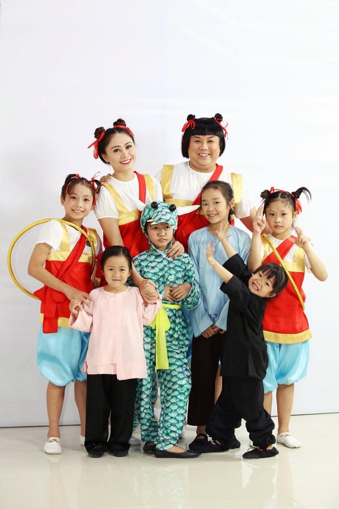 Cô bé 5 tuổi đối đáp lanh lợi khiến Ốc Thanh Vân kinh ngạc - Ảnh 3.
