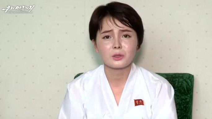 Người phụ nữ tự xưng là Jeon Hye-Sung trong đoạn phim tuyên truyền của Triều Tiên. Ảnh: Uriminzokkiri