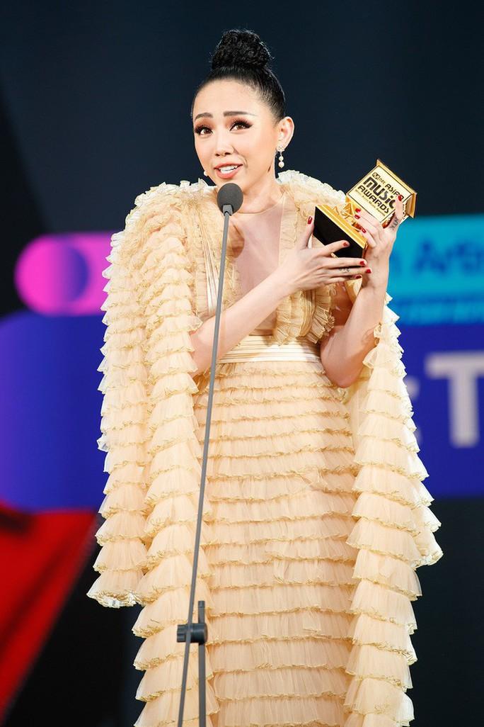 Tóc Tiên nhận giải MAMA 2017  - Ảnh 2.