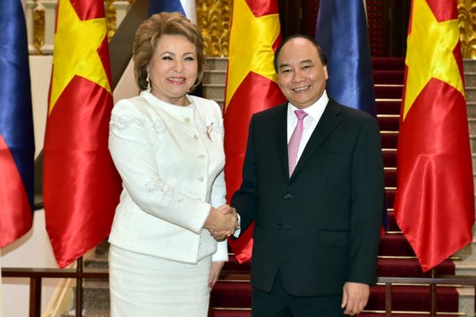 Thủ tướng Nguyễn Xuân Phúc tiếp Chủ tịch Hội đồng Liên bang Nga, bà Valentina Ivanovna Matviyenko đang có chuyến thăm chính thức Việt Nam - Ảnh: Quang Hiếu