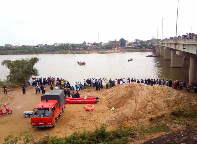 Sông Thạch Hãn nơi thầy giáo Đ.V.H nhảy cầu tự tử